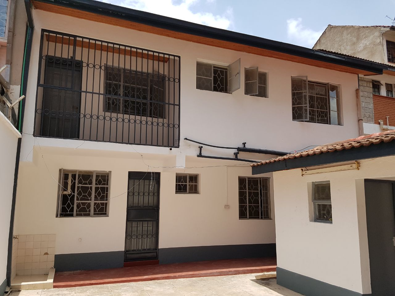 20 bedroom house.  WhatsApp Image 2017 10 20 at 09 05 1 To Let 5 Bedroom House Dsq City Park Estate Parklands Point