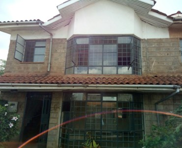 Townhouses to rent in Langata