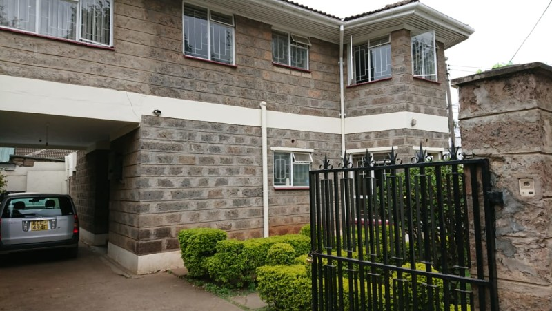 4 Bedroom Maisonette with Dsq available for let as an office (4)