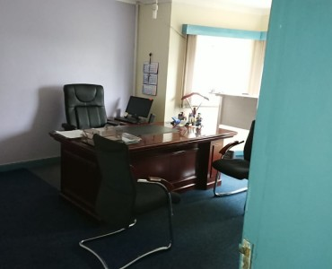 4 Bedroom Maisonette with Dsq available for let as an office (5)
