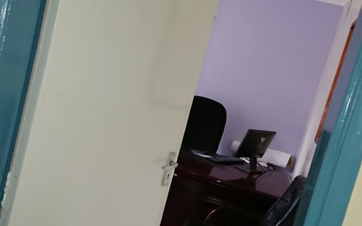 4 Bedroom Maisonette with Dsq available for let as an office (9)