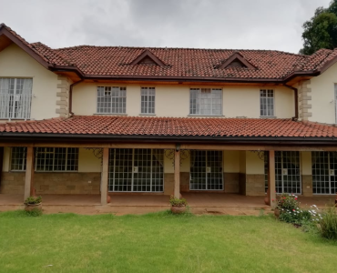 4 Bedroom Maisonette with a Dsq in Hardy Karen (1)