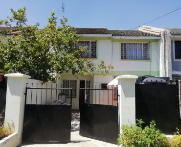 4 bedroom Maisonette with Dsq for sale located in south C. (1)