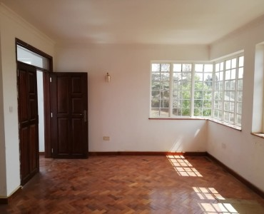 4 bedroom Maisonette (6)