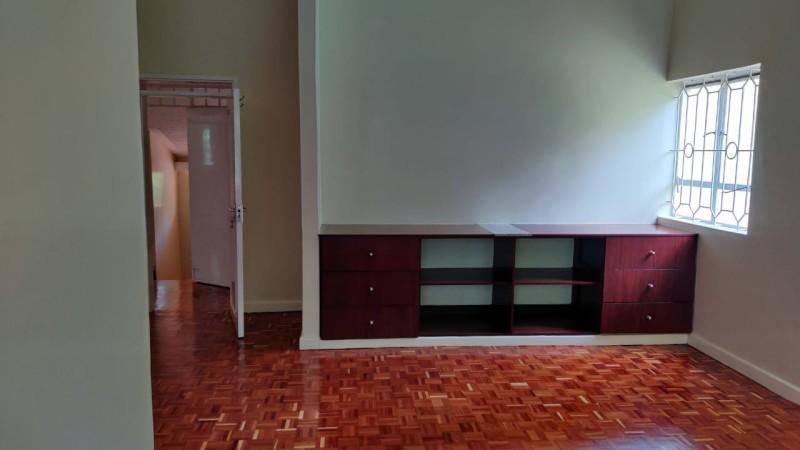 4 Bedroom Mmaisonette with DSQ, Karen (7)