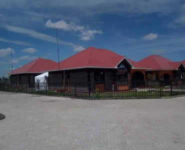 3 Bedroom Bungalow, Master ensuite, Off Kangundo road in Ruai, Nairobi (2)