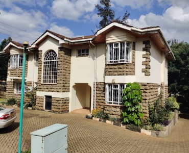 5 bedroom all ensuite maisonette unfurnished with a 2 room dsq located in lavington (11)