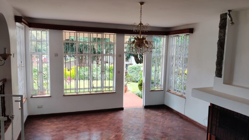 5 bedroom all ensuite maisonette unfurnished with a 2 room dsq located in lavington (12)