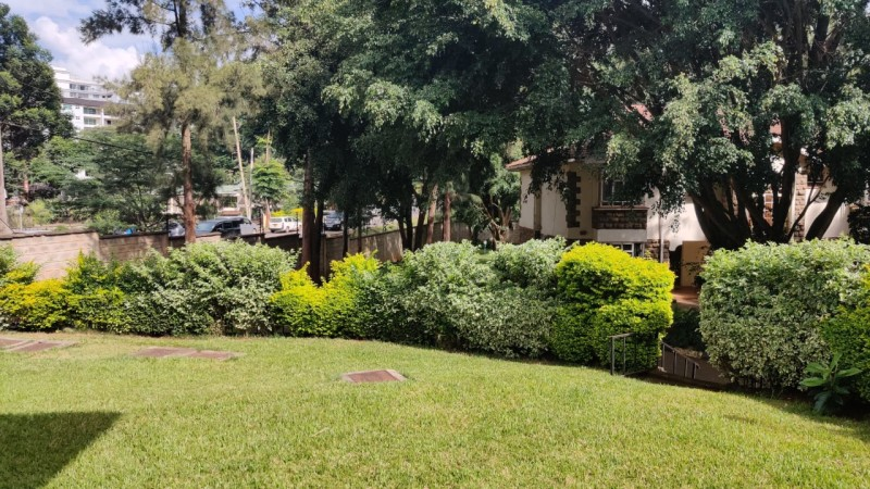 5 bedroom all ensuite maisonette unfurnished with a 2 room dsq located in lavington (15)