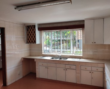5 bedroom all ensuite maisonette unfurnished with a 2 room dsq located in lavington (9)