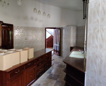 4 Bedroom Maisonette, with a Servants Quarter, Gigiri (19)