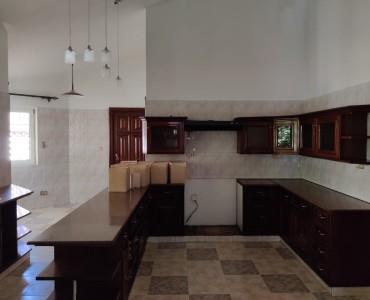 4 Bedroom Maisonette, with a Servants Quarter, Gigiri (3)