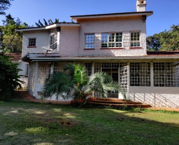 4 Bedroom Maisonette, with a Servants Quarter, Gigiri (8)