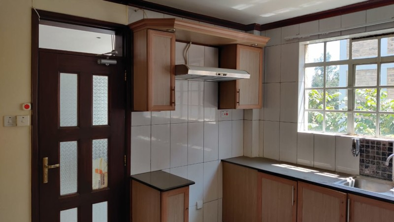 3 Bedroom Apartment, Dennis Pritt Road (17)