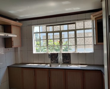 3 Bedroom Apartment, Dennis Pritt Road (4)