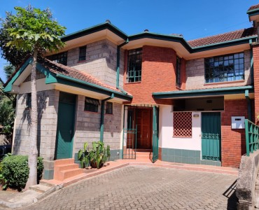 4 Bedroom with Dsq, Lavington (1)
