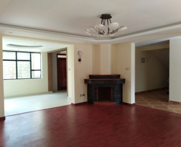 4 Bedrooms with Sq Townhouse, Lavington (6)