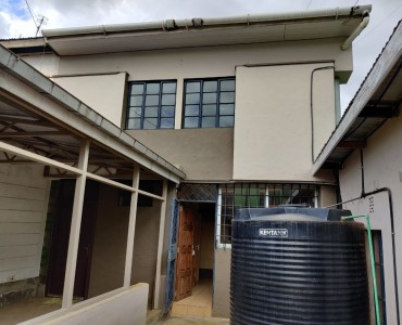 5 bedroom townhouse located in Woodley Estate (1)