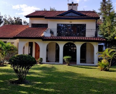 4 Bedrooms with an SQ, Karen- Bomas (14)