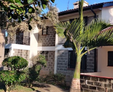 4 Bedrooms with an SQ, Karen- Bomas (15)
