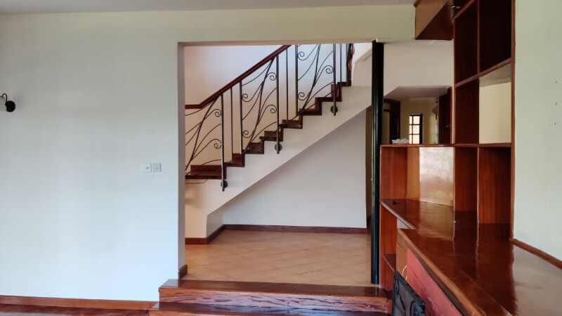 4 Bedrooms with an SQ, Karen- Bomas (17)