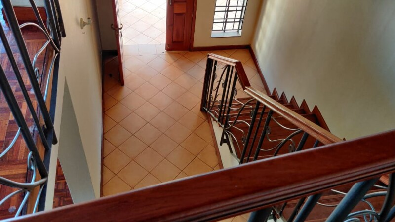 4 Bedrooms with an SQ, Karen- Bomas (7)