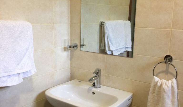 Fully Furnished 2 Bedroom Guest House, Karen (5)