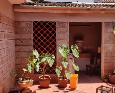 4 Bedroom with Dsq Town House, Westlands off Raphta Rd (3)